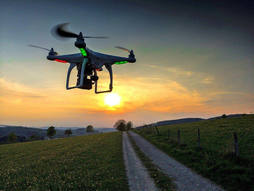 mua flycam2